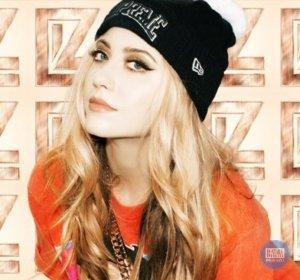 Liz Y2K